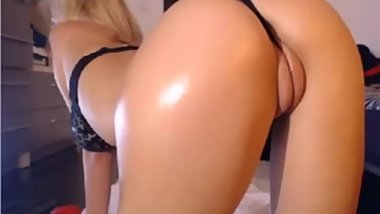 blond big round ass and fat puffy pussy lips in web