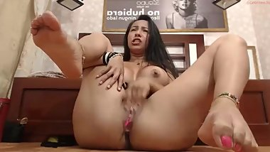 Sexy Latina Teen on Webcam