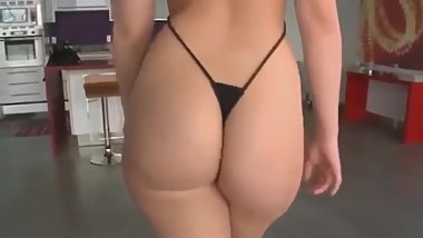 BIG ASS TEEN AND MILF DANCING FOR YOU (SEXY DANCE)