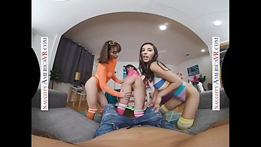 Naughty America - Brooklyn Gray, Gianna Dior, and Liv Wild have some dorm