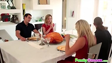 Step Siblings Fucking in Thanksgiving Dinner