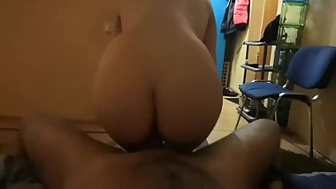 Little slut twerk on dick