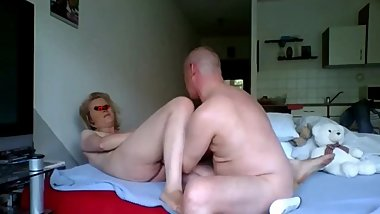 blond first time fisting