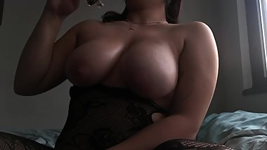 Massage oiled Tits